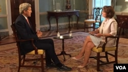 VOA Persian News Network's Setareh Derakhshesh interviews Secretary of State John Kerry at the State Department, July 20 2015.