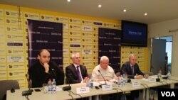 Učesnici konferencije Demostata