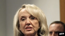 Thống đốc bang Arizona Jan Brewer