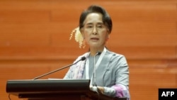 缅甸民主斗士昂山素季(资料图)