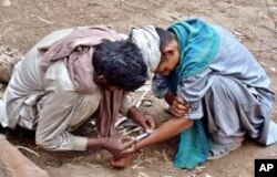 افغانستان میں پیدا ہونے والی منشیات کا 30 فیصد پاکستان کے راستے اسمگل کیاجاتا ہے