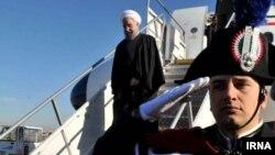 در کنار مقامات رسمی جمعی از فعالان اقتصادی نیز در سفر اروپایی رئیس جمهوری ایران حضور دارند.