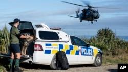 Upaya pencarian dua pelacak yang hilang di Taman Nasional Kahurangi di Pulau Selatan Selandia Baru, Rabu, 27 Mei 2020.