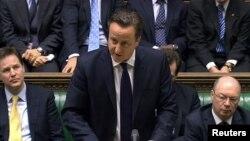 Tại London, Thủ tướng Anh David Cameron nói chuyện với Quốc hội về tình hình bắt cóc con tin tại Algeria, 18/1/2013.