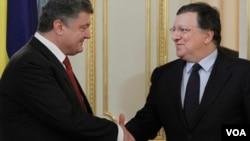 Петр Порошенко и председатель Еврокомиссии Жозе Мануэл Баррозу