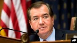 Dân biểu Ed Royce thuộc đảng Cộng Hòa, đại diện tiểu bang California.