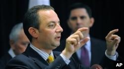共和党全国委员会主席普里布斯8月3日在坦帕举行记者会