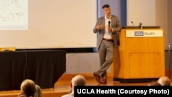 Igor Barjaktarević završio je Medicinski fakultet Univerziteta u Beogradu, a specijalizaciju interne medicine i pulmologije u Njujorku (Foto: UCLA Health)