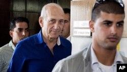Bivši izraelski premijer, Ehud Olmert posle izricanja presude, 13. maj 2014.