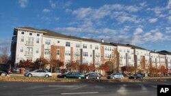 华盛顿郊区公寓楼。美国二手房的销售在12月份大涨