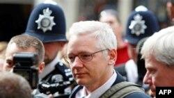 Britani, shtyhet vendimi për ekstradimin e Z. Asanzh në Suedi