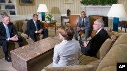 El presidente Obama se reunió con los líderes demócratas y republicanos del Senado y la Cámara de Representantes.