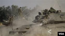 Sebuah tank Israel di perbatasan Israel dengan Jalur Gaza.