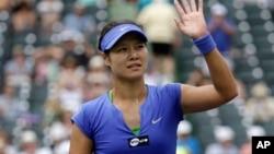 Petenis tuan rumah Li Na mengalahkan petenis Sabine Lisicki dari Jerman 7-5, 6-4 hari Rabu 2/10 (foto: dok).