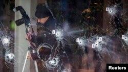 Istražni tim na mestu terorističkog napada u Kopenhagenu, 16. februar 2015.