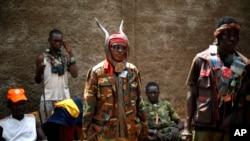 Des miliciens anti-balaka à Bangui, le 4 février 2014. (AP Photo/Jerome Delay)