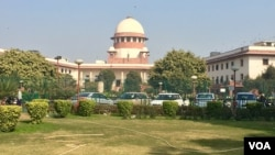 "India's Supreme Court is hearing a petition by a Muslim woman who says the practice of ""triple talaq"" or instant divorce is unconstitutional. (A. Pasricha/VOA)"