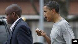 جمهور رئیس اوباما د باسکټبال په لوبه کې ژوبل شویدی