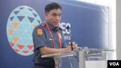 Cảnh sát trưởng Manila phát biểu trong cuộc họp báo về vấn đề an ninh trước hội nghị thượng đỉnh APEC.
