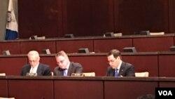CECC 共同主席史密斯眾議員與主席魯比奧參議員共同主持聽證會 (攝影:美國之音記者任敬揚)