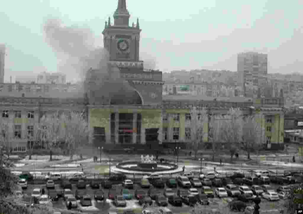 Smoke pours out of the railway station after an explosion, Volgograd, Dec. 29, 2013.