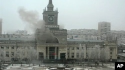 Smoke pours from railway station following terrorists attack, Volograd, Dec. 29, 2013.