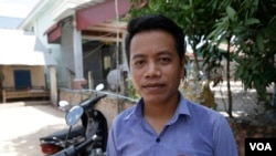 Sam Saruon, 29, is the elected commune councilor from the opposition CNRP, Svay Rieng, Cambodia, June 27, 2017. (Sun Narin/VOA Khmer)