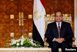 Egypt's President Abdel Fattah el-Sissi attends a ceremony at the El-Thadiya presidential palace in Cairo, Oct. 5, 2016.
