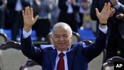 Islom Karimovning prezidentlikda qolishga haqqi yo'q, bu saylov - shou, deydi Salohiddin Usmonov, muxolifatchi, virtual-muqobil nomzodlardan biri