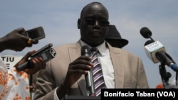 Unity state speaker Maguek Gai Majak, shown here addressing a crowd during celebrations of South Sudan's independence, has ordered a three-month recess of the state legislature. (VOA/Bonifacio Taban)