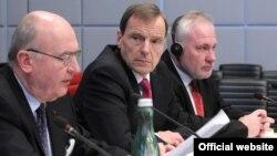 ԵԱՀԿ-ի Մինսկի խմբի համանախագահներ Ժակ Ֆորը, Ռոբերտ Բրադտկեն և Իգոր Պոպովը