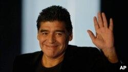 Le joueur argentin Maradona à Milan, Italie, le 20 octobre 2013.