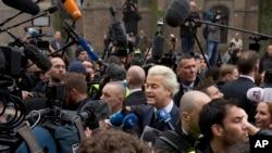 Geert Wilders među simpatizerima