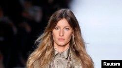 Según la revista Forbes, la modelo de 34 años ha ganado $386 millones de dólares como modelo desde 2001.
