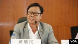 激進派立法會議員黃毓民表示,寧願政改原地踏步,並會癱瘓立法會全面抗爭 (美國之音湯惠芸拍攝)
