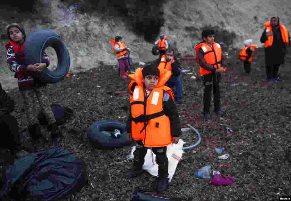 او و بقیه پناهجویان به سلامت از آبهای بین ترکیه و یونان گذشتند.
