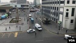 28 May metrosunun qarşısındakı meydana polis nəzarət edir