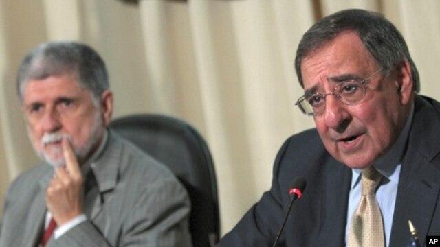 U.S. Defense Secretary Leon Panetta, right, and Brazil's Defense Minister Celso Amorim attend a joint press conference in Brasilia, Brazil, April 24, 2012.