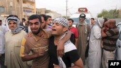 بر اثر بمب گذاری های روز یکشنبه در عراق تا کنون ۱۵۵ نفر کشته شده اند