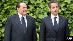 Президент Франції Ніколя Саркозі зустрівся із Сильвіо Берлусконі в Римі для обміркування конфлікту в Лівії