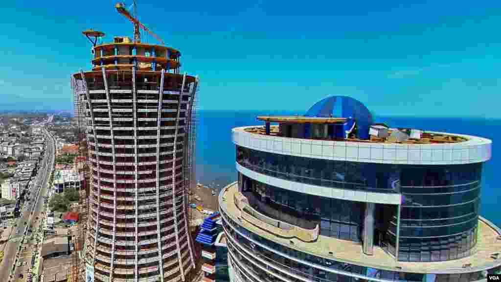 """یک شرکت هتلسازی اسپانیایی میگوید که سال آینده یک هتل پنج ستاره بینالمللی را در سواحل دریای خزر افتتاح خواهد کرد. شرکت """"ملیا هتلز اینترنشنال"""" مدیریت و به پایان رساندن پروژه هتل ۵ ستاره """"قو، الماس خاورمیانه"""" را برعهده گرفته که ساخت آن توسط احد عظیمزاده، سرمایهدار ایرانی در سلمانشهر(متل قو) آغاز شده بود."""