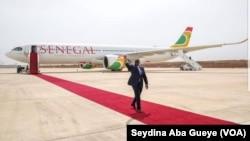 L'arrivée de Macky Sall à Dakar, le 23 mars 2019. (VOA/Seydina Aba Gueye)