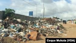 Lixo na Sétima Avenida do Cazenga, Luanda