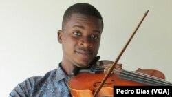 Félix da Costa, maestro da Orquestra Camerata de Luanda, Angola