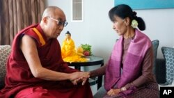 2012年﹐昂山素姬與達賴喇嘛曾經在倫敦會面。(資料圖片)
