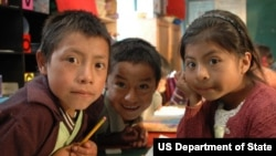 School children in Guatemala. (file USAID)