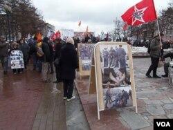 莫斯科支持政治犯集会现场。(美国之音白桦拍摄)