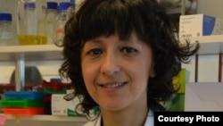 """""""唐奖""""星期天在台北公布了本届""""生技医药奖""""三位共同得主,图片为法国的伊曼纽.夏彭提耶(Emmanuelle Charpentier)。该奖表彰他们在CRISPR/Cas9基因编辑技术上的贡献。他们的发现将大幅改变生物医药研究与疾病治疗的效果,对治疗人类遗传疾病具有极大潜力。 (唐奖基金会提供)"""
