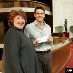 Baritone Nathan Gunn was the first recipient of the Beverly Sills Artist Award for young singers