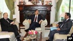 وزیراعظم گیلانی کی خارجہ اور تجارت کے سیکرٹریوں سے ملاقات